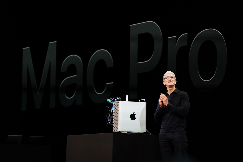 Apple-highlights-from-wwdc19-Tim-Cook-with-new-Mac-Pro-and-Pro-Display-06032019