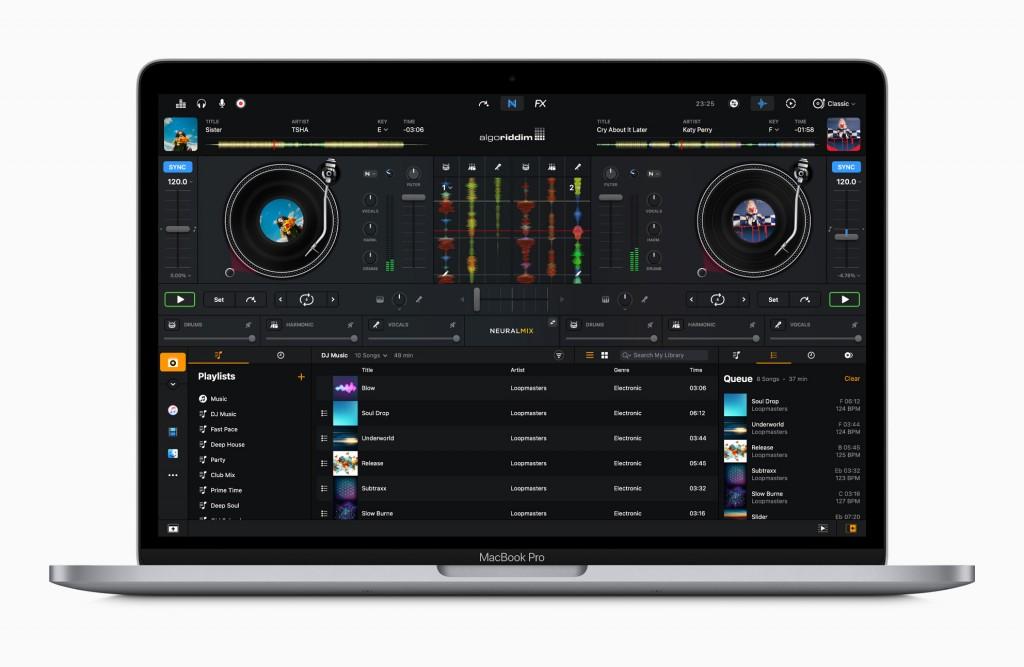 Apple_m1-chip-macbookpro-dj-pro-screen_11102020